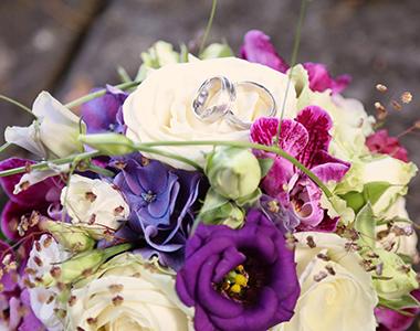 Hochzeitsplanung_Zuerichsee_Brautstrauss